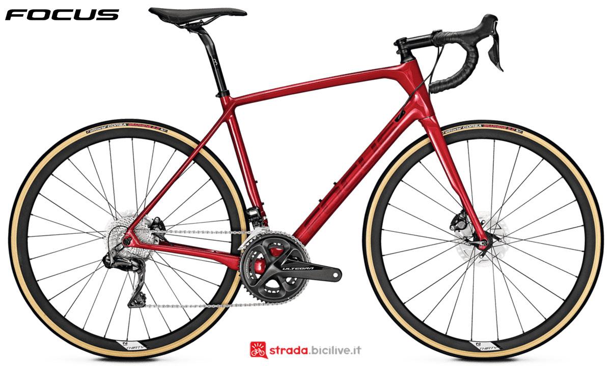 Una bici Focus Paralane 9.8 Disc 2020