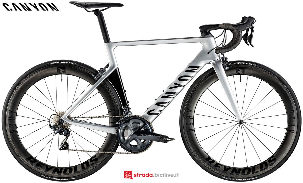 Una bici Canyon Aeroad CF SL 8.0 2020