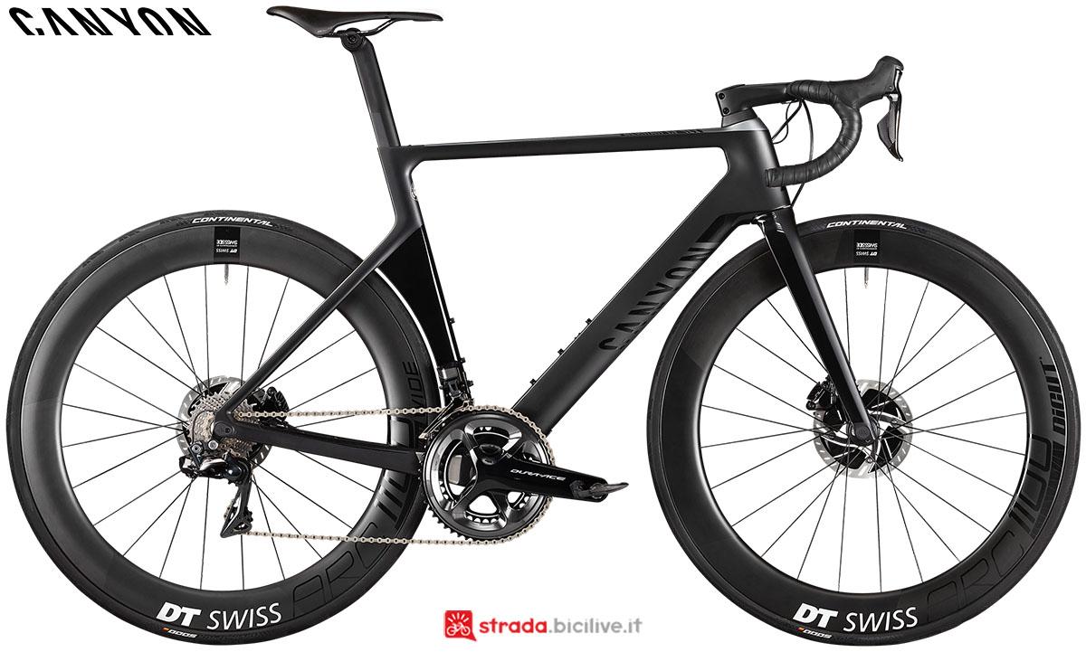 Una bici Canyon Aeroad CF SLX Disc 9.0 Di2 2020