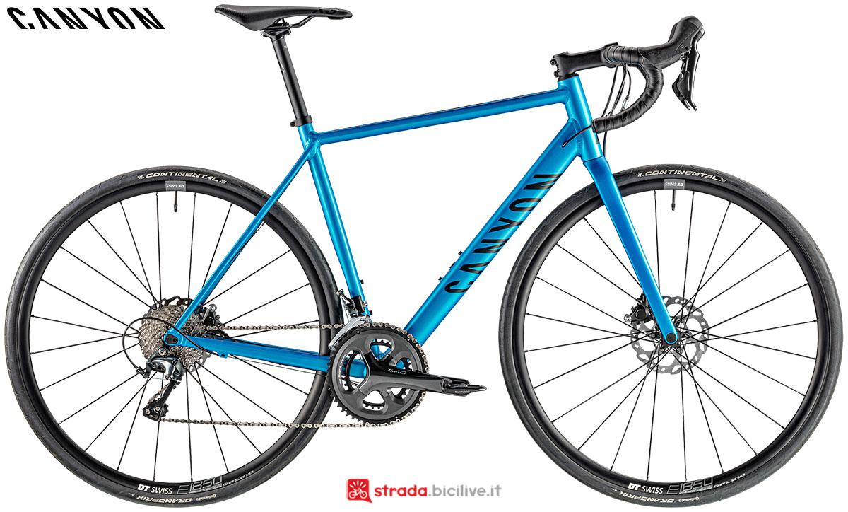 Una bici Canyon Endurance AL Disc 6.0 2020