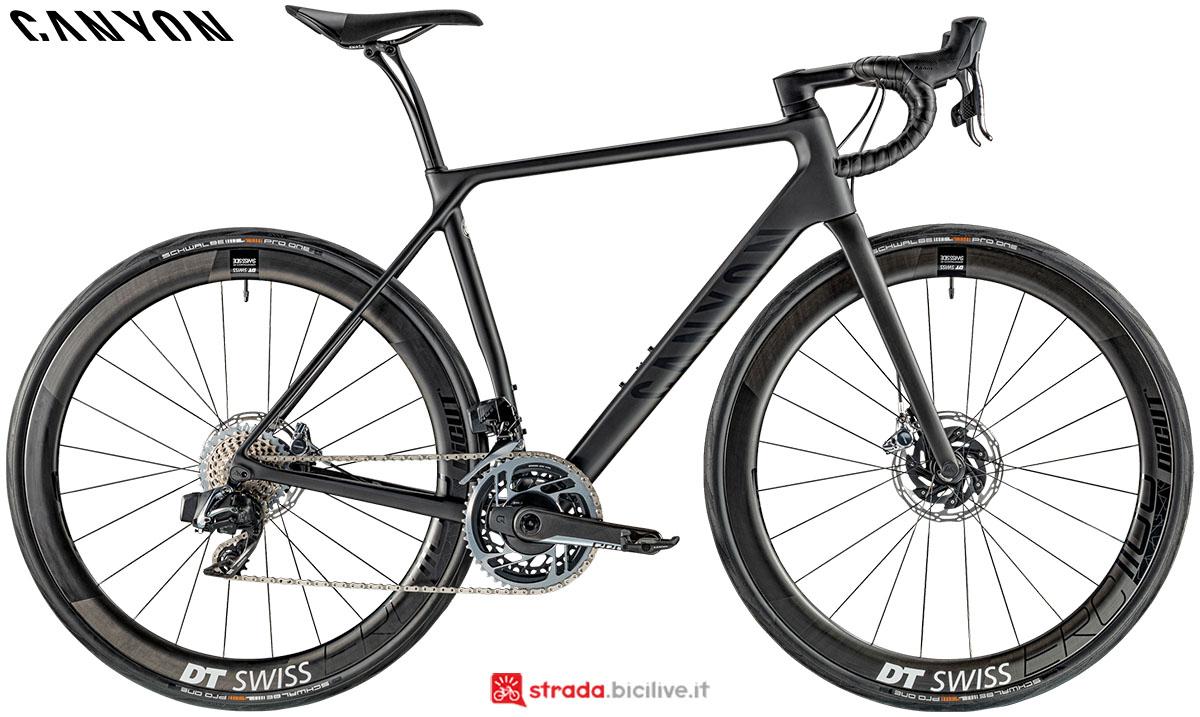 Una bici Canyon Endurance CF SLX Disc 9.0 eTap 2020