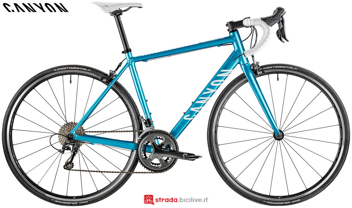 Una bici Canyon Endurance WMN AL 6.0 2020
