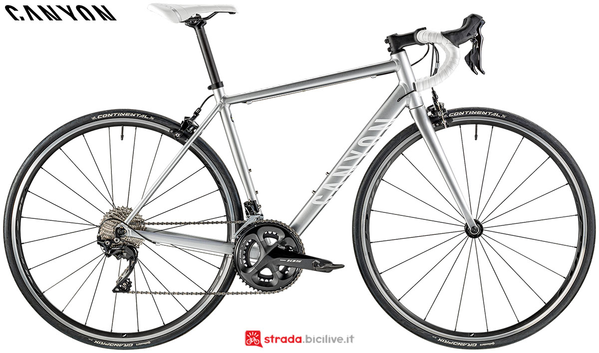Una bici Canyon Endurance WMN AL 7.0 2020