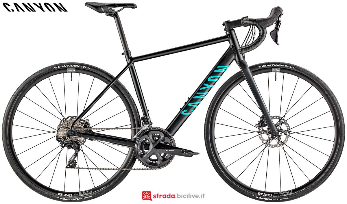 Una bici Canyon Endurance WMN AL Disc 7.0 2020