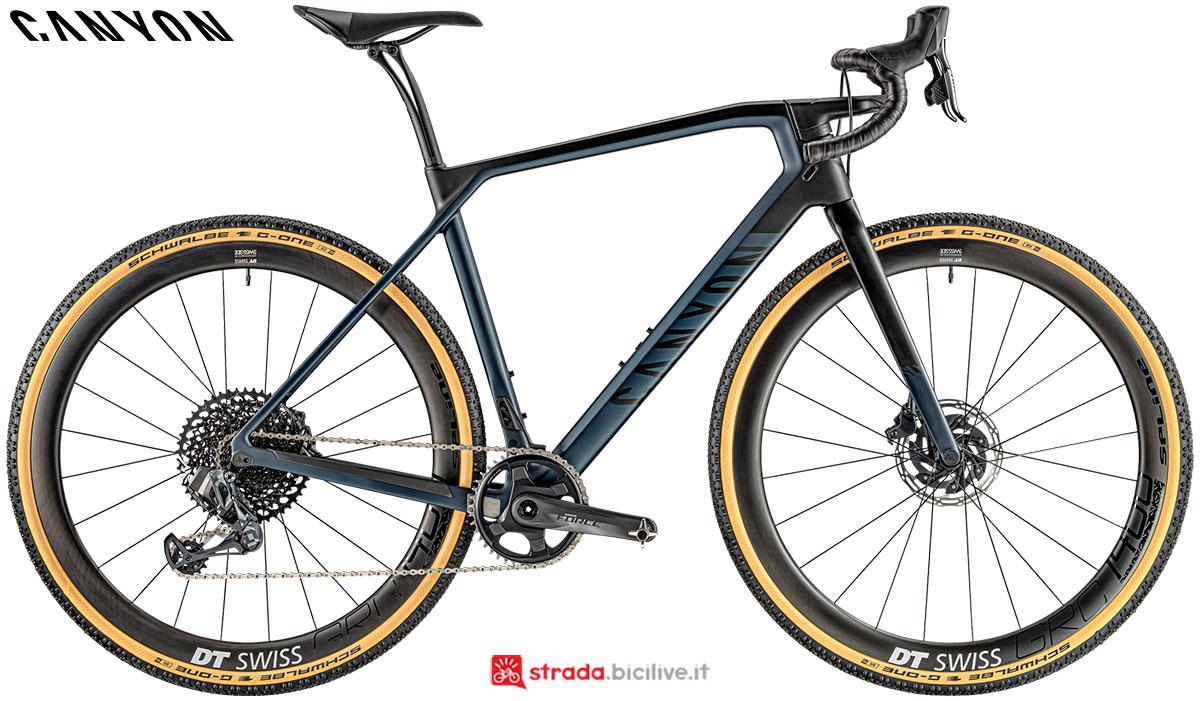 Una bici Canyon Grail CF SLX 8.0 eTap 2020