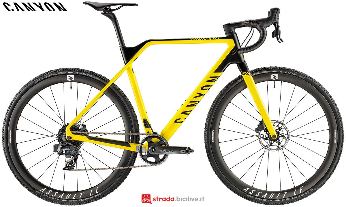 Una bici Canyon Inflite CF SLX 9.0 2020