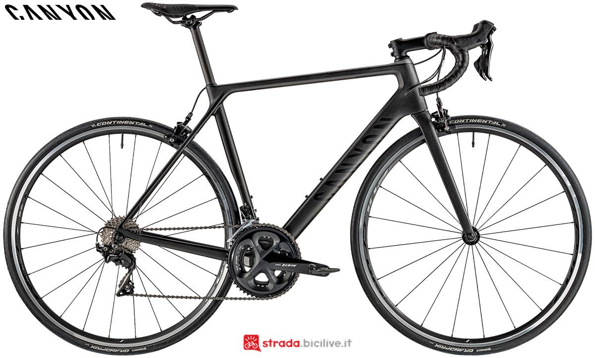 Una bici Canyon Ultimate CF SL 7.0 2020