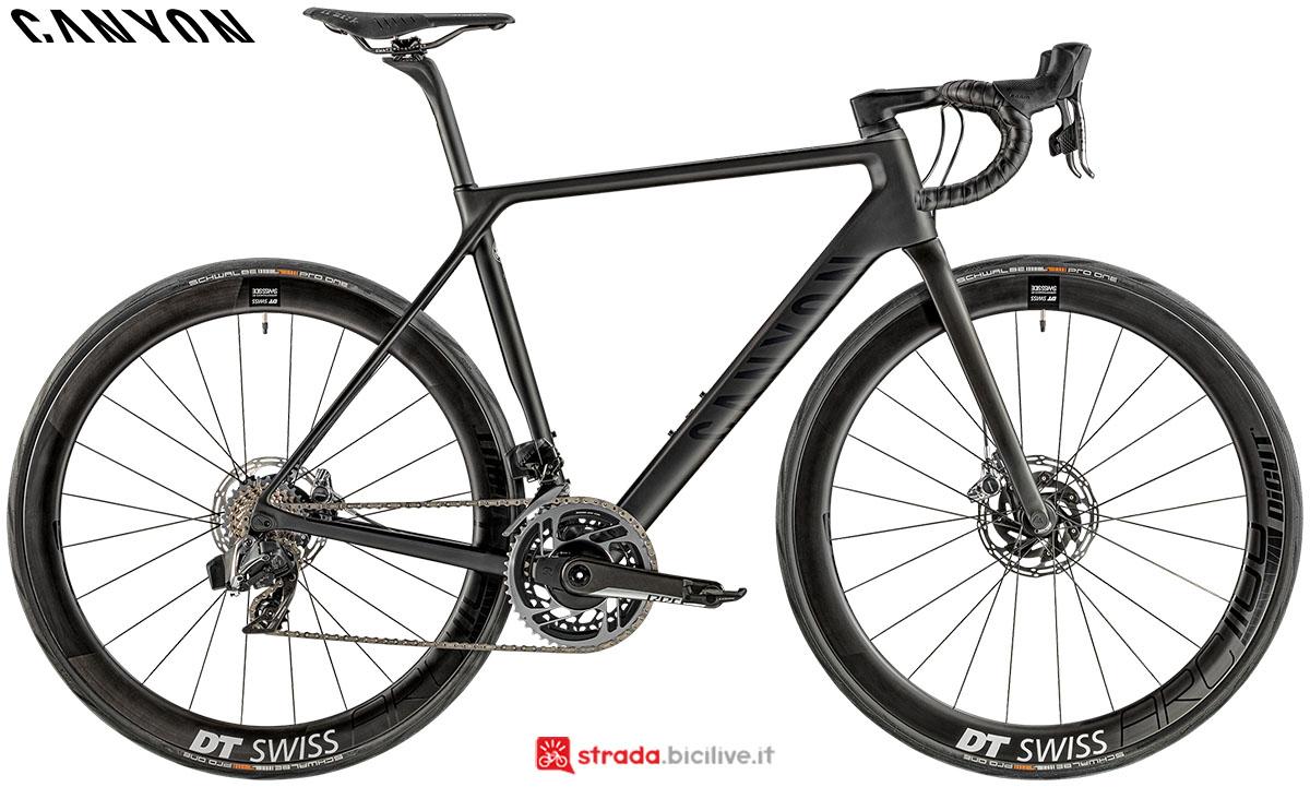 Una bici Canyon Ultimate CF SLX Disc 9.0 eTap 2020