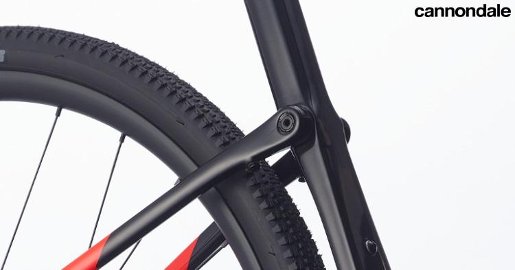 Dettaglio della sospensione Kingpin sulla bici gravel Topstone Carbon Force eTap AXS
