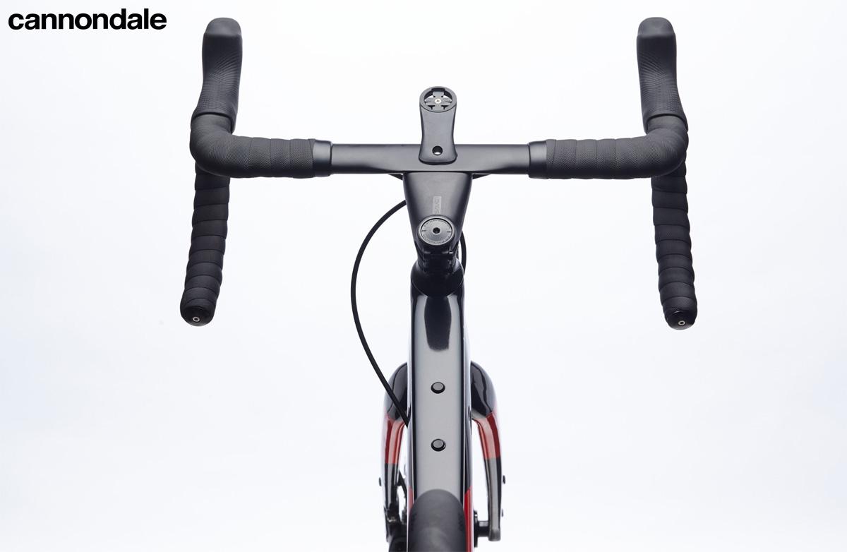 Il manubrio della bicicletta Cannondale Topstone Carbon Force eTap AXS 2020