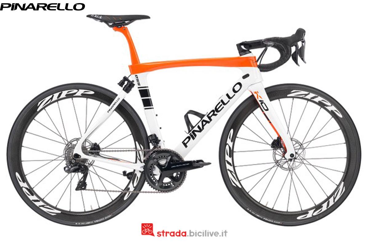 Una bici Pinarello Dogma K10 di profilo