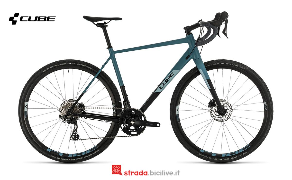 Bicicletta Cube Nuroad Race 2020 vista di profilo