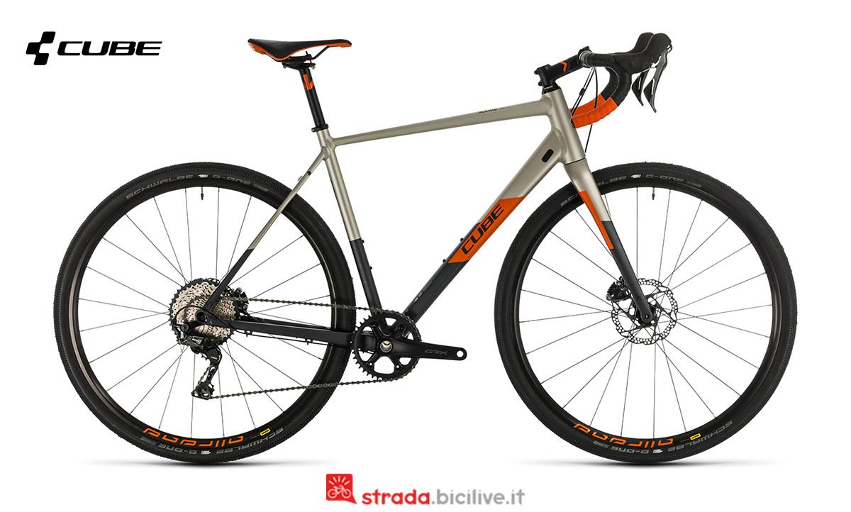 bici Cube Nuroad SL vista di profilo