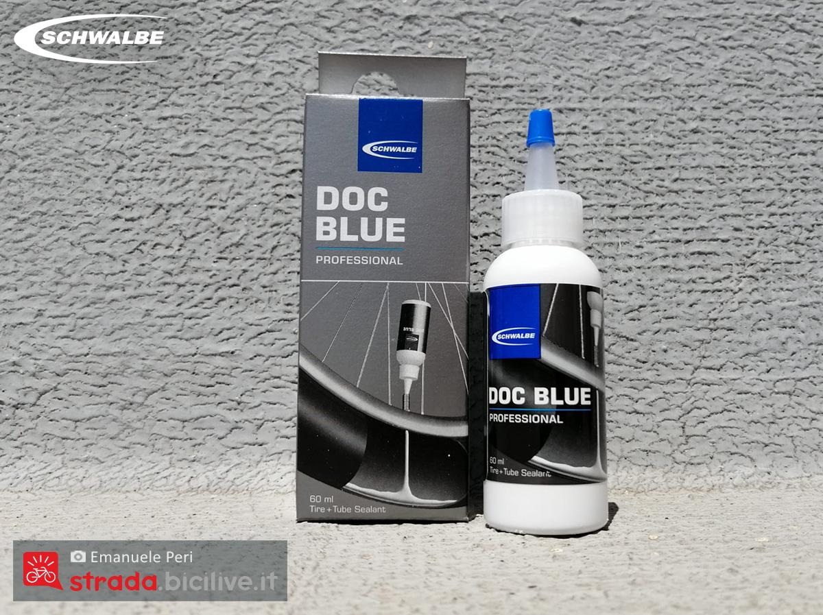 Una confezione del sigillante per gomme Doc Blue