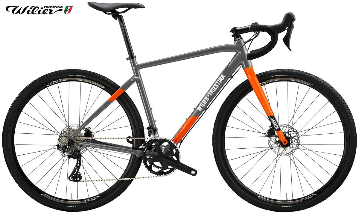 La bici gravel Wilier Triestina Jareen con trasmissione GRX 2x10 nella colorazione grigio/arancione
