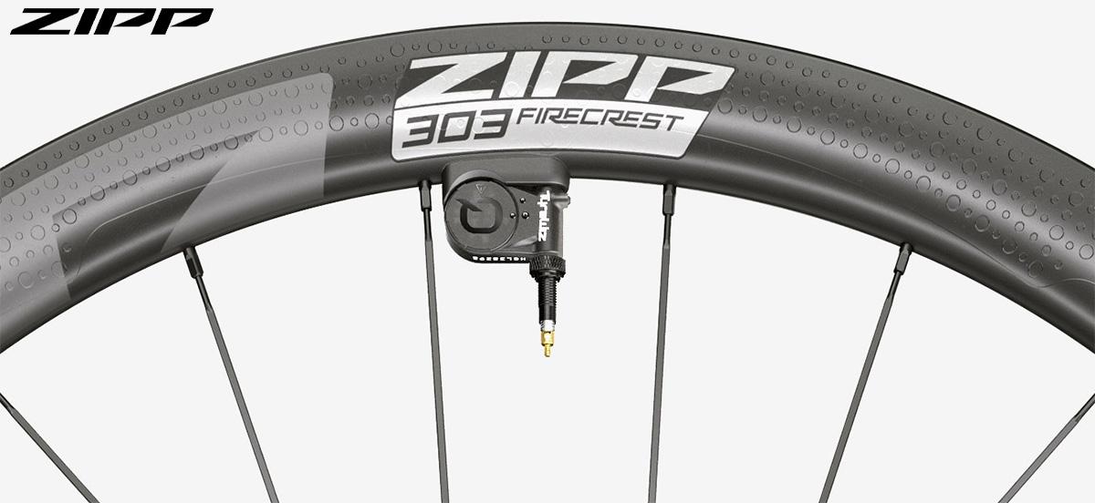 Dettaglio della valvola delle nuove ruote per bici da strada Zipp 303 Firecrest 2020