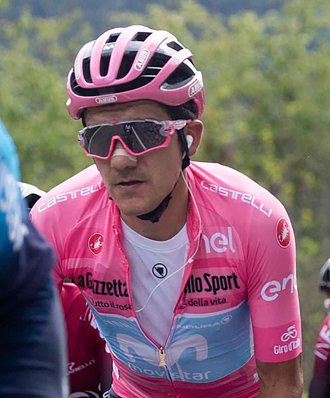Primo piano di Richard Carapaz durante il Giro D'Italia
