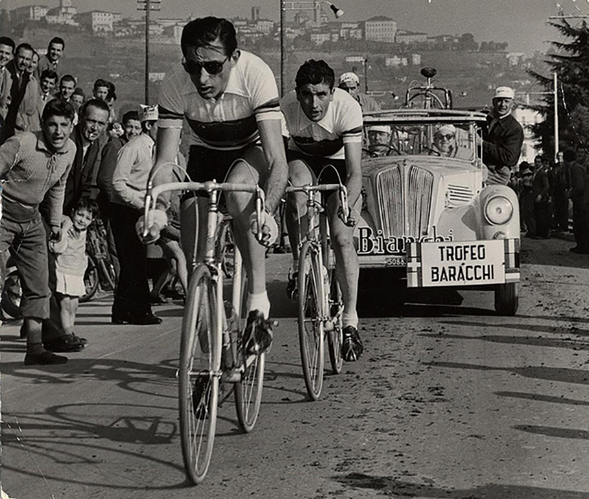 Fausto Coppi che affronta un Giro D'Italia
