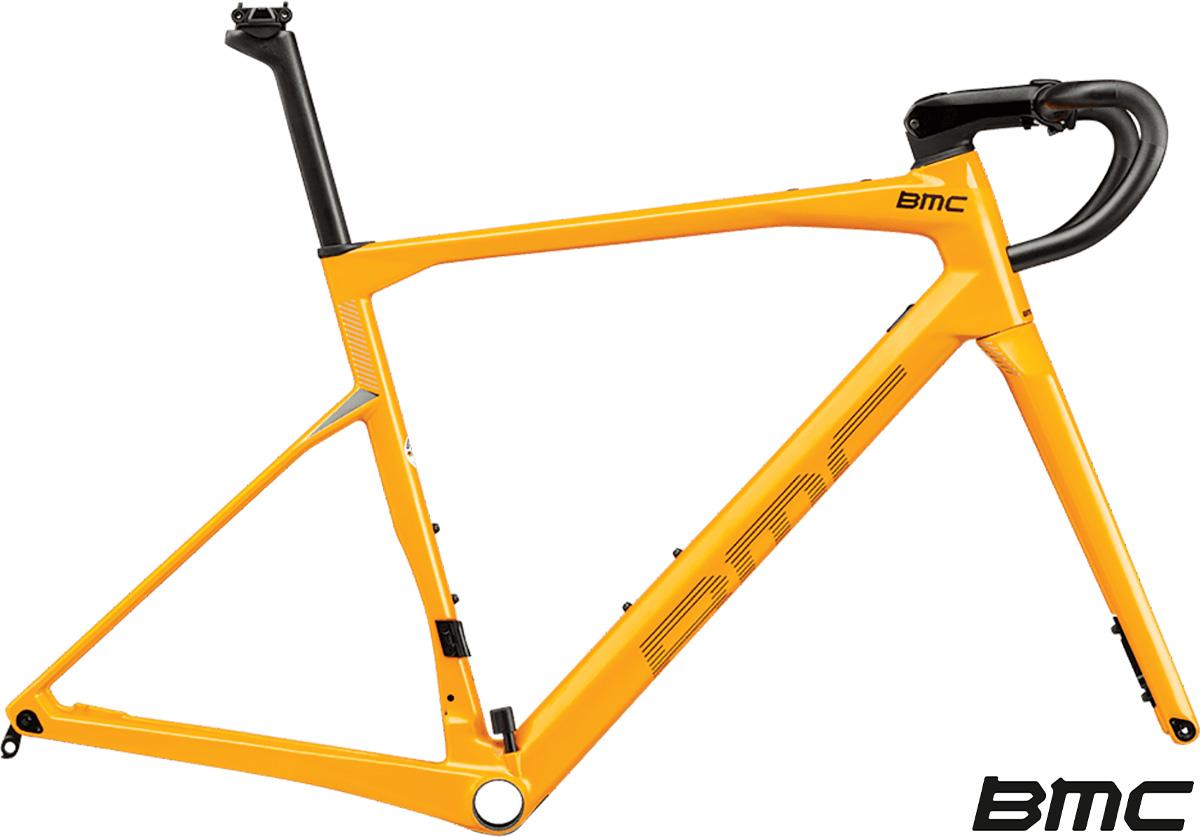 Il nuovo telaio 2021 per bici da corsa BMC Roadmachine 01 MOD