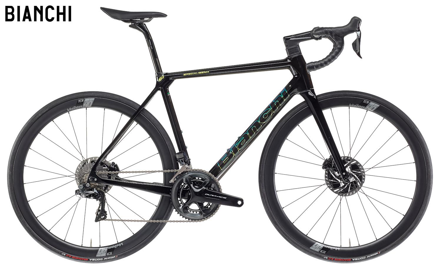 Una bici da strada Bianchi Specialissima Disc Dura Ace Di2 gamma 2021