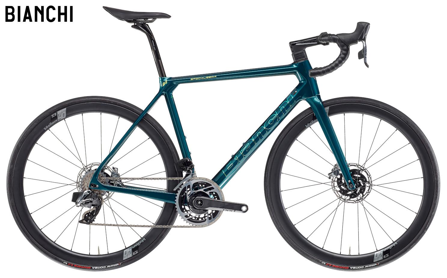 Una bicicletta da corsa Bianchi Specialissima Disc SRAM RED eTap AXS 2021