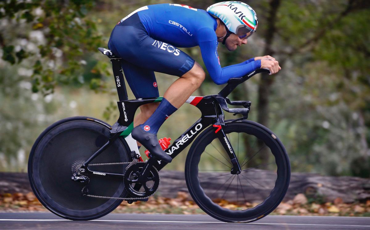 Filippo Ganna durante uno sprint al mondiale 2020
