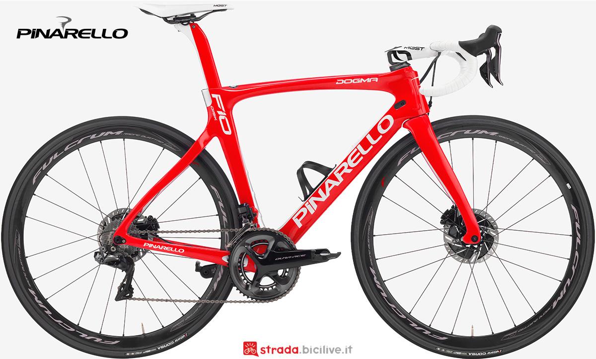 La nuova bici da strada Pinarello Dogma F10 Disk 2021