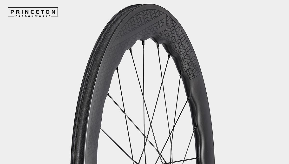 Il profilo della ruota per bici da corsa Princeton Wave 6560