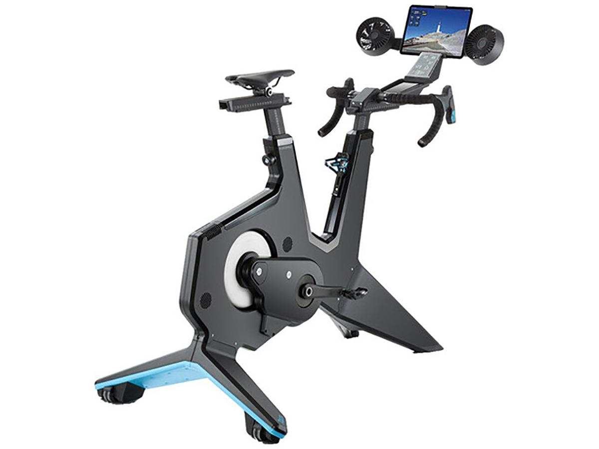 Postazione per allenamento ciclistico indoor tacx neo bike smart