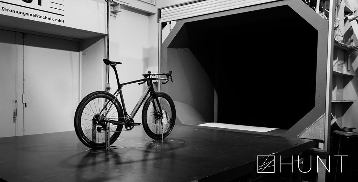 Il test nella galleria del vento delle nuove ruote per bici da strada Hunt 42 Limitless Gravel Disc 2021