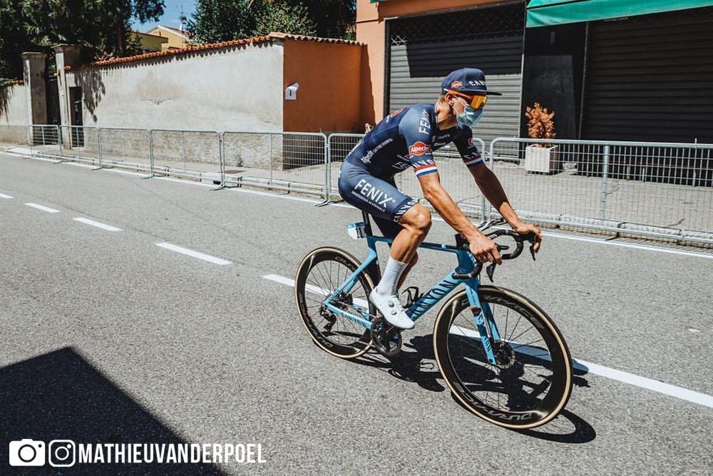 Mathieu van der Poel in allenamento il giorno prima della Milano-Sanremo 2020