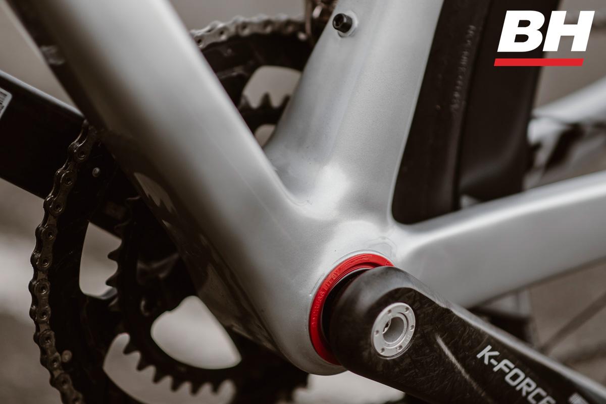 Dettaglio del movimento centrale della bicicletta BH Ultralight EVO Disc 2021