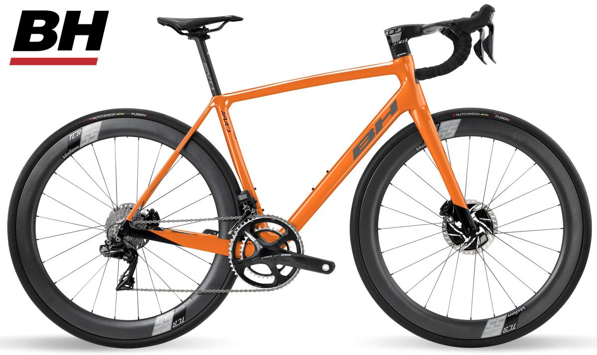 Una bicicletta da corsa BH Ultralight EVO Disc 9.0 con cambio Shimano Dura-Ace Di2