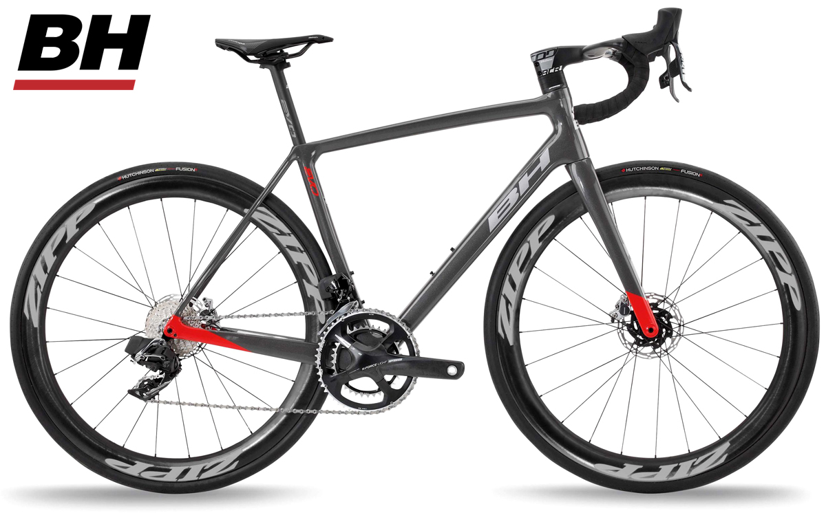 Una bici da corsa BH Ultralight EVO Disc 9.5 con trasmissione SRAM Red eTap AXS