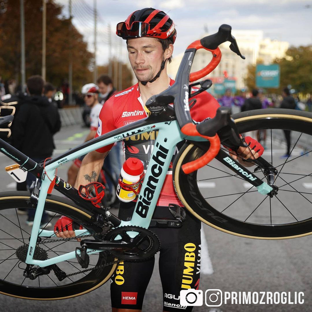 Il ciclista professionista Primož Roglič