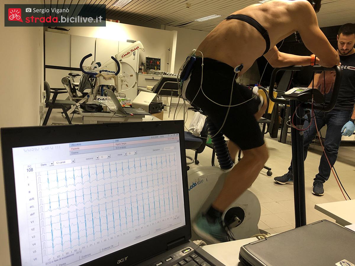 Sergio Viganò analizza i dati delle sue pedalate sui rulli indoor