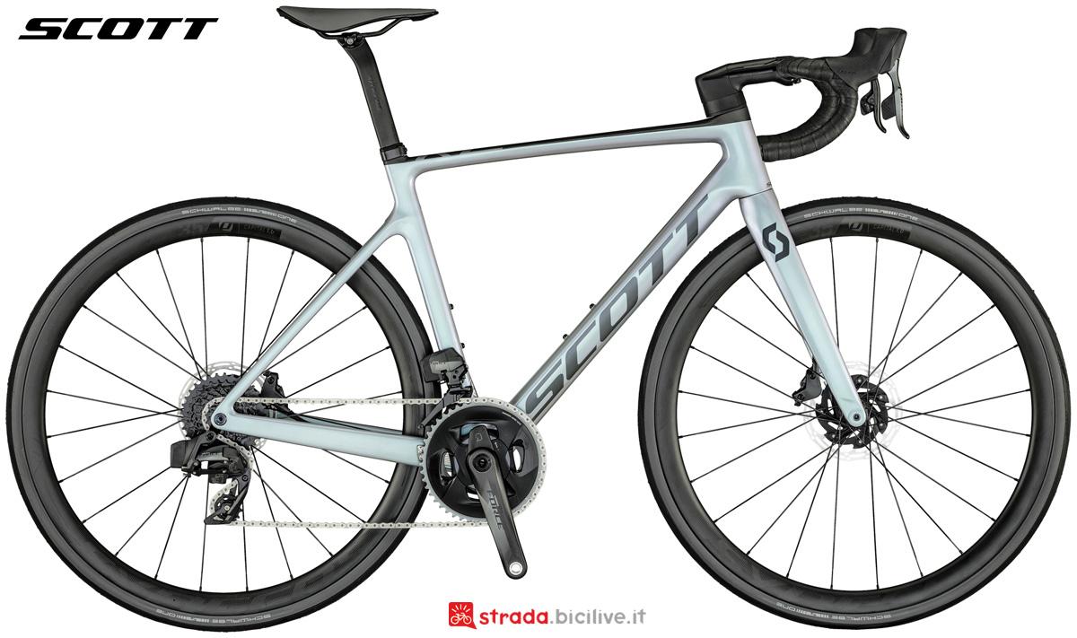 Una bicicletta da strada Scott Addict RC 10 gamma 2021