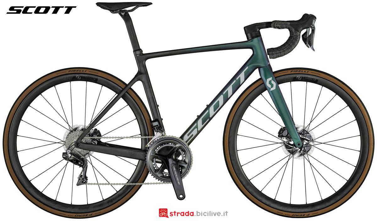 Una bicicletta da corsa Scott Addict RC Pro 2021