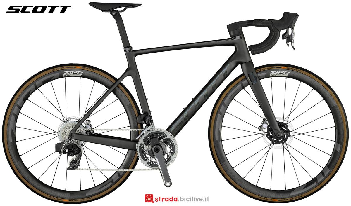 Una bicicletta da corsa Scott Addict RC Ultimate 2021