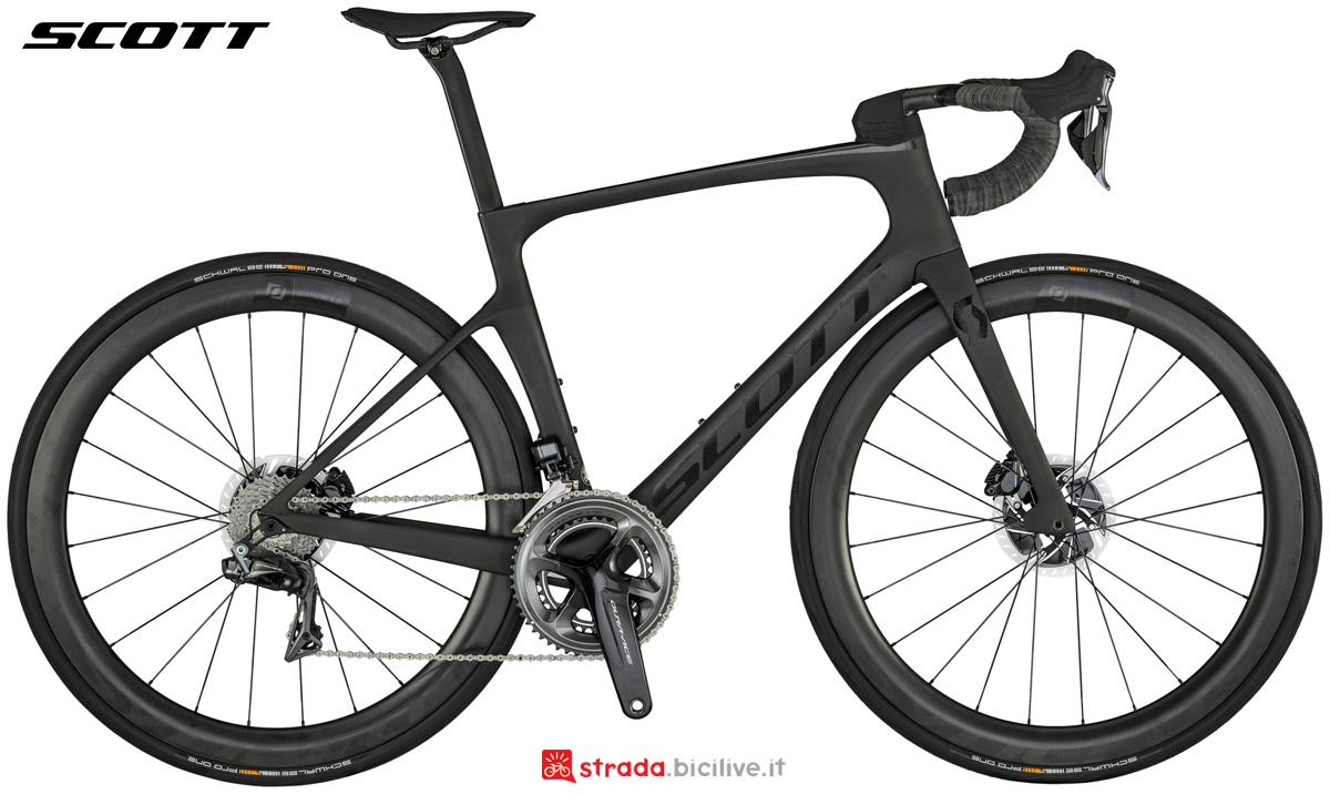 Una bicicletta da corsa aero Scott Foil Pro dal catalogo 2021