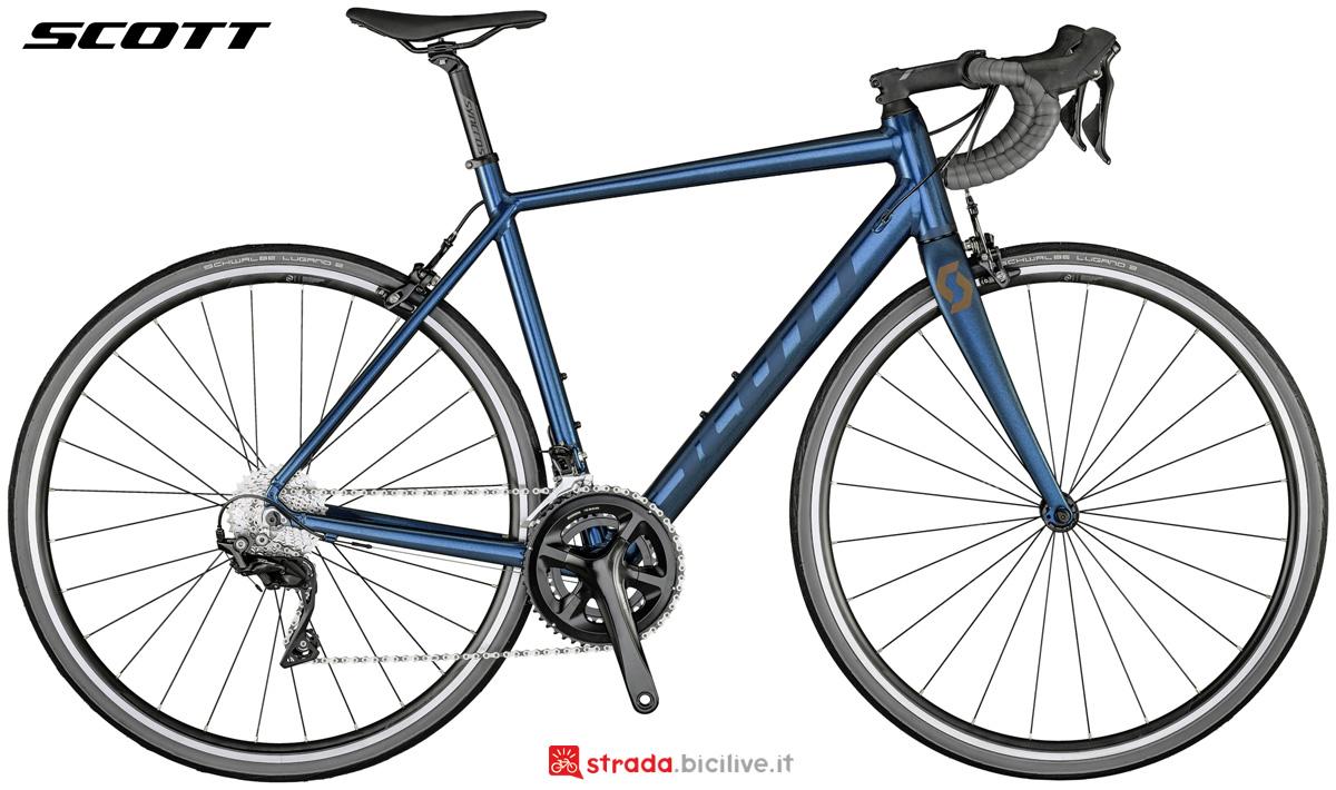 Una bici da corsa Scott Speedster 10 anno 2021