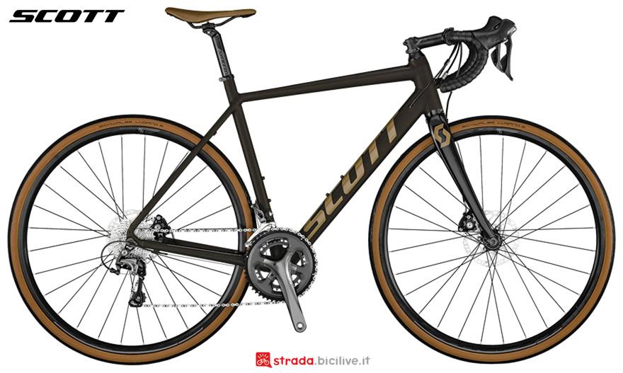 Una bici da corsa Scott Speedster 20 Disc 2021