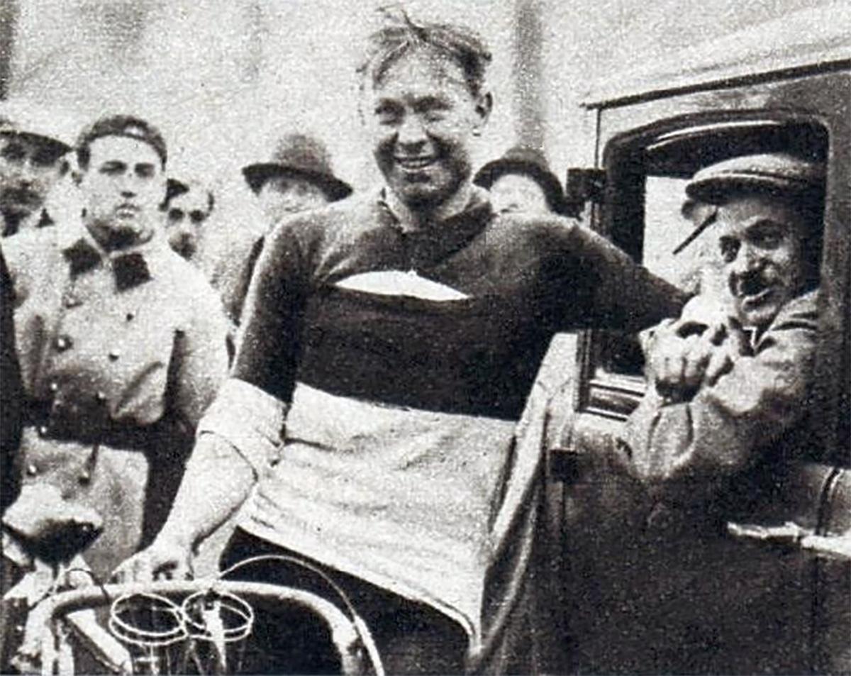 Una foto del ciclista Alphons Schepers nel 1933
