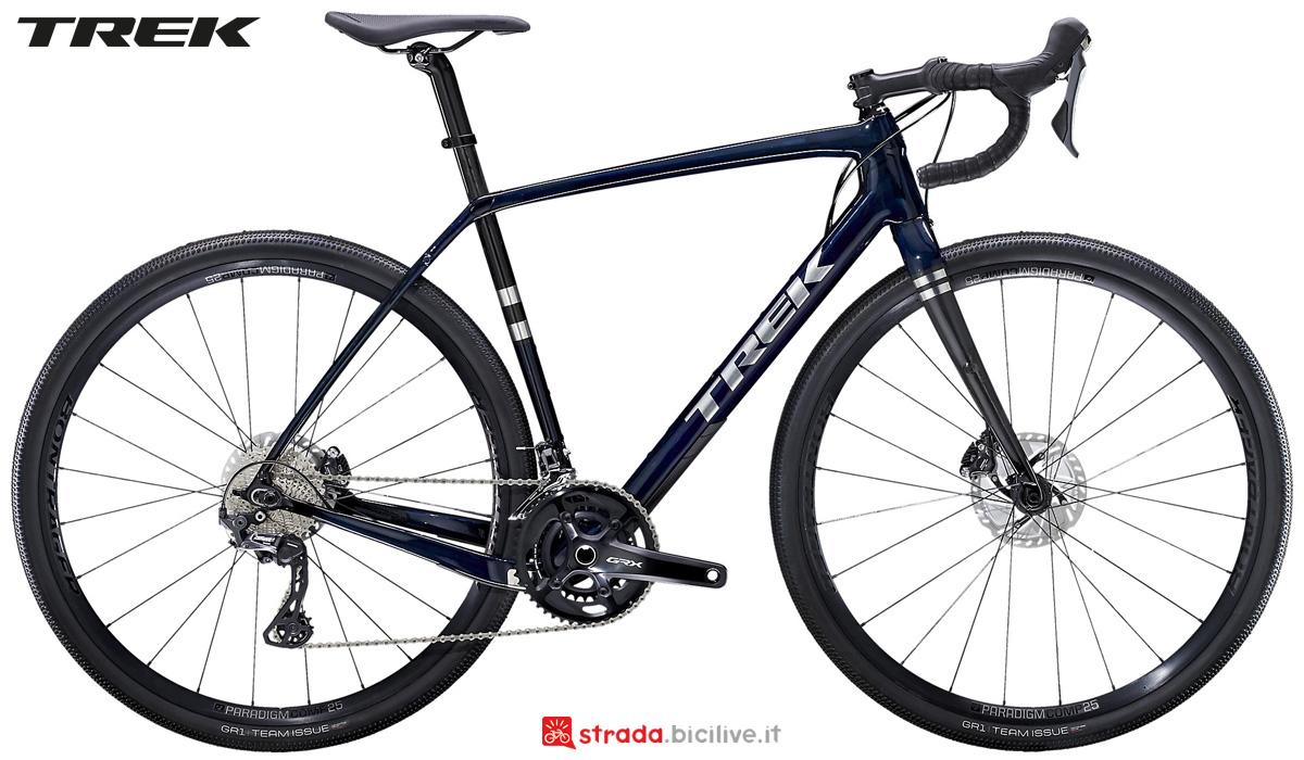 Una bicicletta da gravel Trek Checkpoint SL 6 gamma 2021