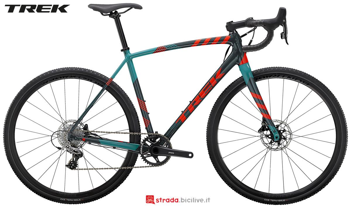 Una bicicletta da ciclocross Trek Crockett 5 Disc gamma 2021