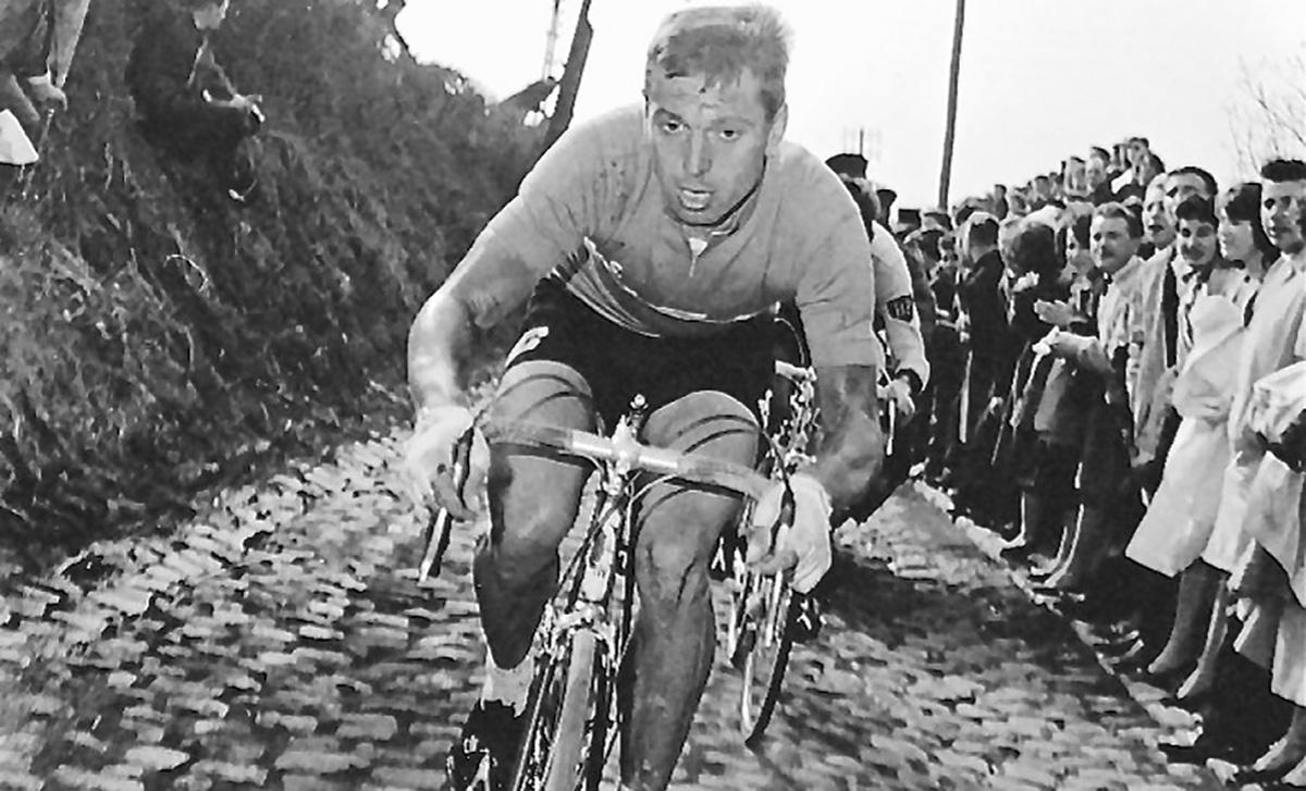 Un vecchio scatto del ciclista Rik Van Looy
