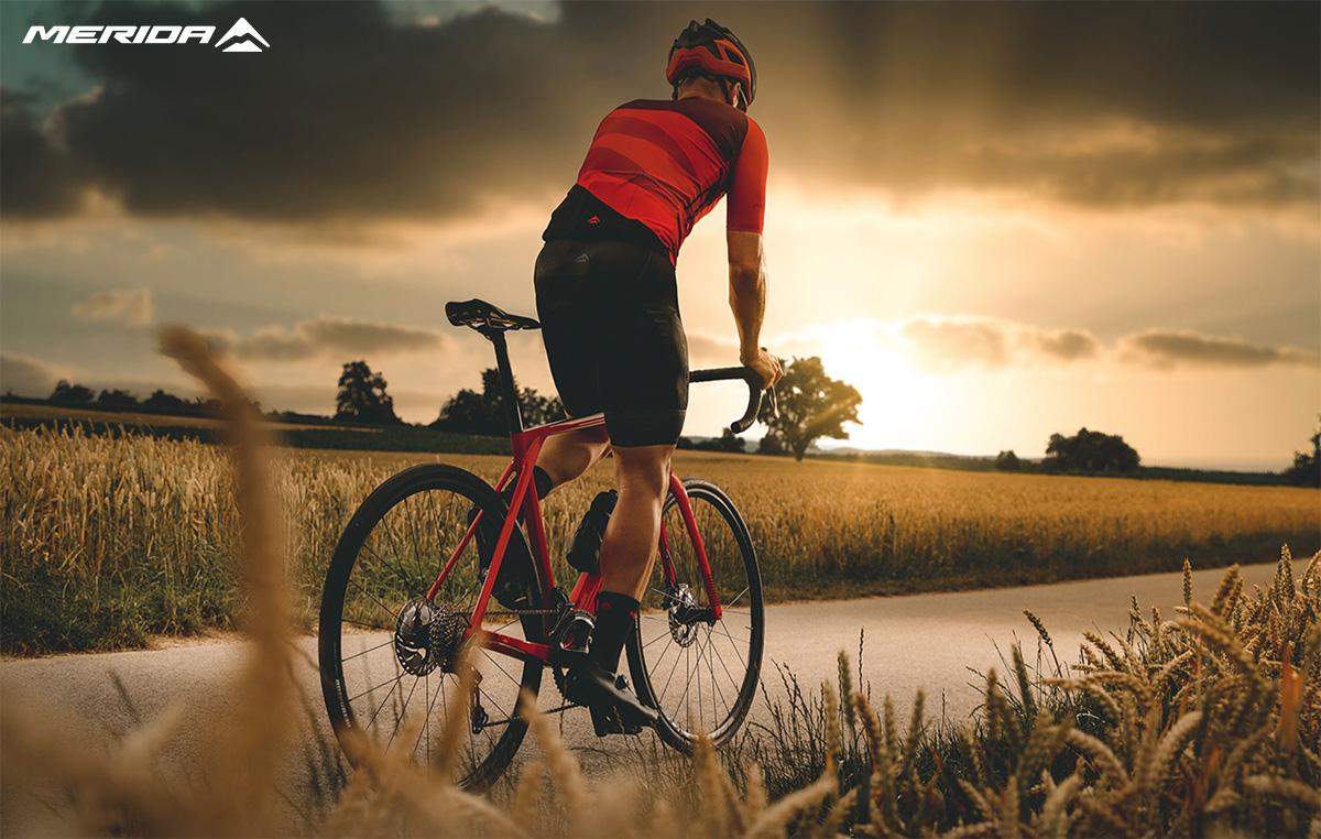La nuova bici da corsa Merida Scultura Endurance 7000E 2021
