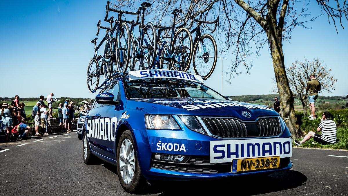 Una delle auto Shimano in servizio per l'assistenza del Tour de France