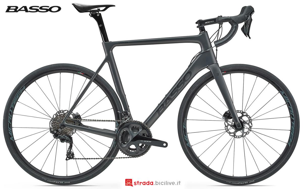 La nuova bici da corsa Basso Bikes Venta Disc 2021 vista lateralmente