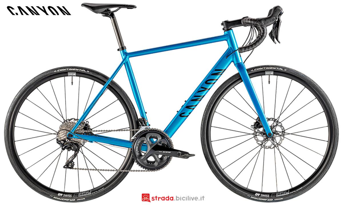La nuova bici da strada Canyon Endurace Al Disc 7 Shimano 105 2021